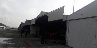 allanamientos en Aeronáutica Civil y hangares