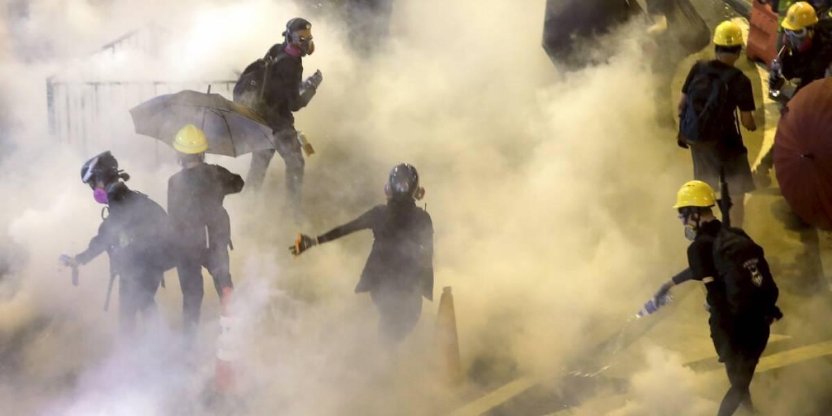 Hong Kong al límite: caos generalizado en el transporte y fuertes enfrentamientos en nueva jornada de protestas
