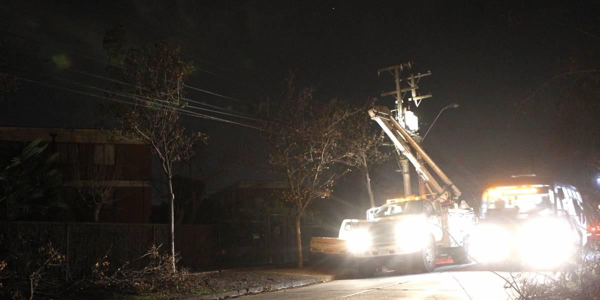 Más de 40 mil clientes afectados: la indignación llenó las redes sociales tras masivo corte de luz en Puente Alto y San José de Maipo
