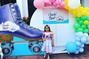 Así celebró la hija de Gabriela Pazmiño sus 30 mil suscriptores en Youtube