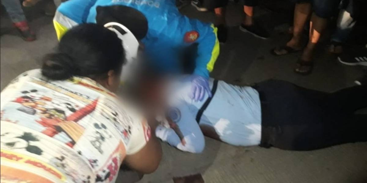 Disparan a una guía penitenciaria en los exteriores de la cárcel de mujeres de Guayaquil