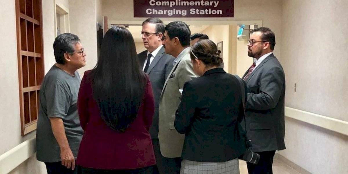 Se reúne Ebrard con familiares de víctimas de tiroteo en Texas