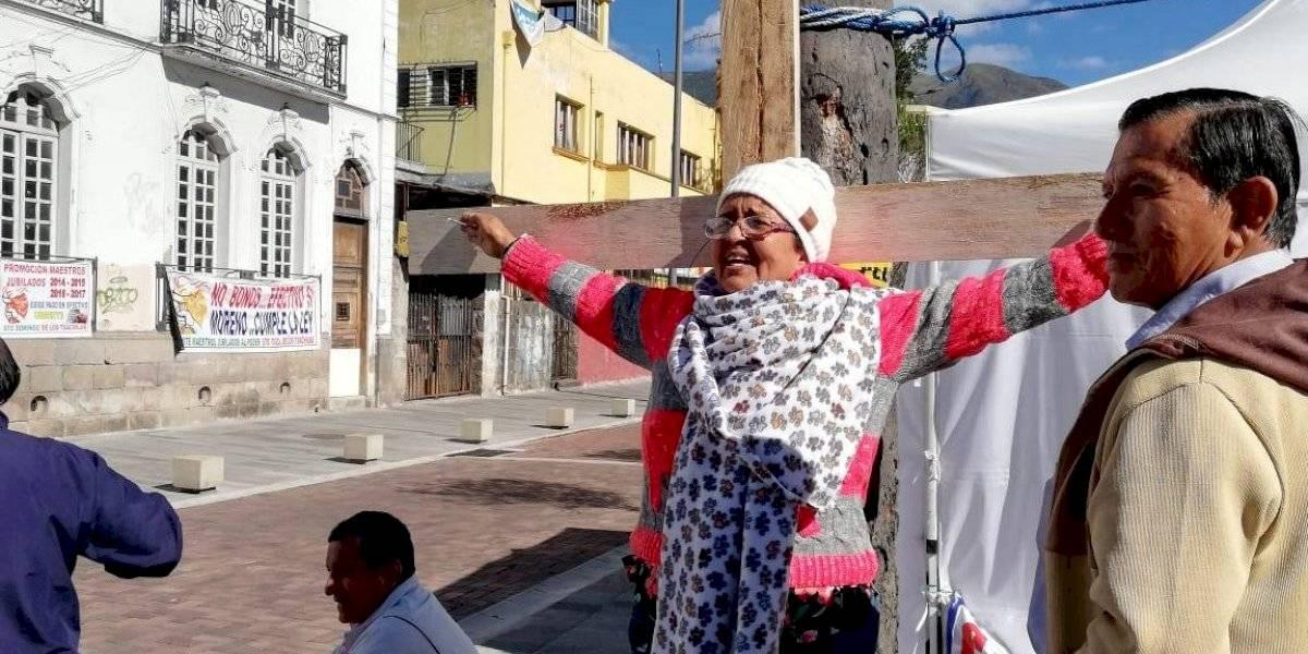 Jubilados piensan en crucificarse para recibir sus pensiones