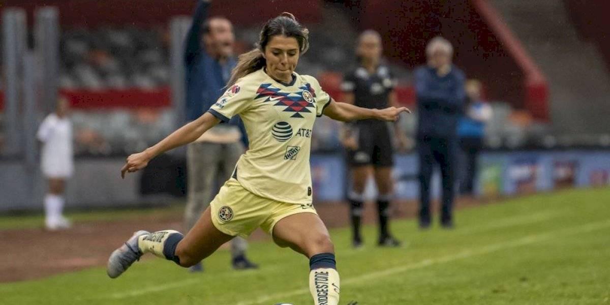 Jennifer Muñoz consigue su primer gol con el América femenil