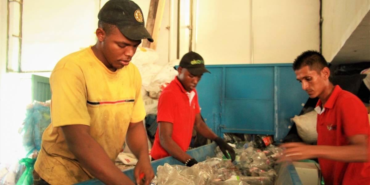 Comunidades del Pacífico se unieron para limpiar las playas y aprovechar los residuos
