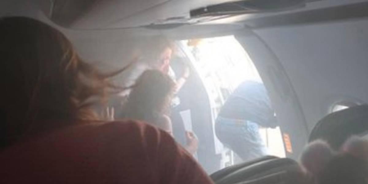 Avión aterriza de emergencia en España por fuego en sus motores; hay 19 heridos
