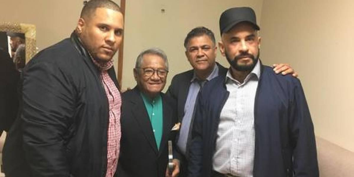 Sgacedom reconoce al compositor mexicano Armando Manzanero