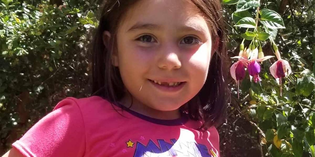 Niña de 6 años diseñó un dispositivo para ayudar a su hermana con hipoacusia