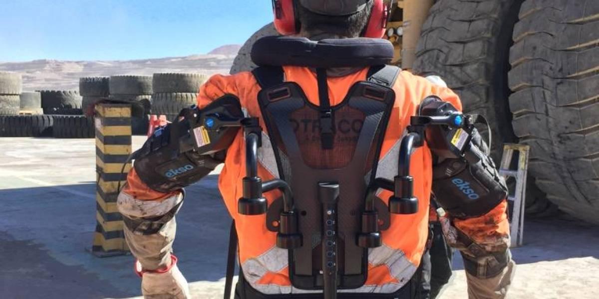 Trabajadores biónicos: proyecto pionero pone a prueba exoesqueletos en las operaciones mineras chilenas