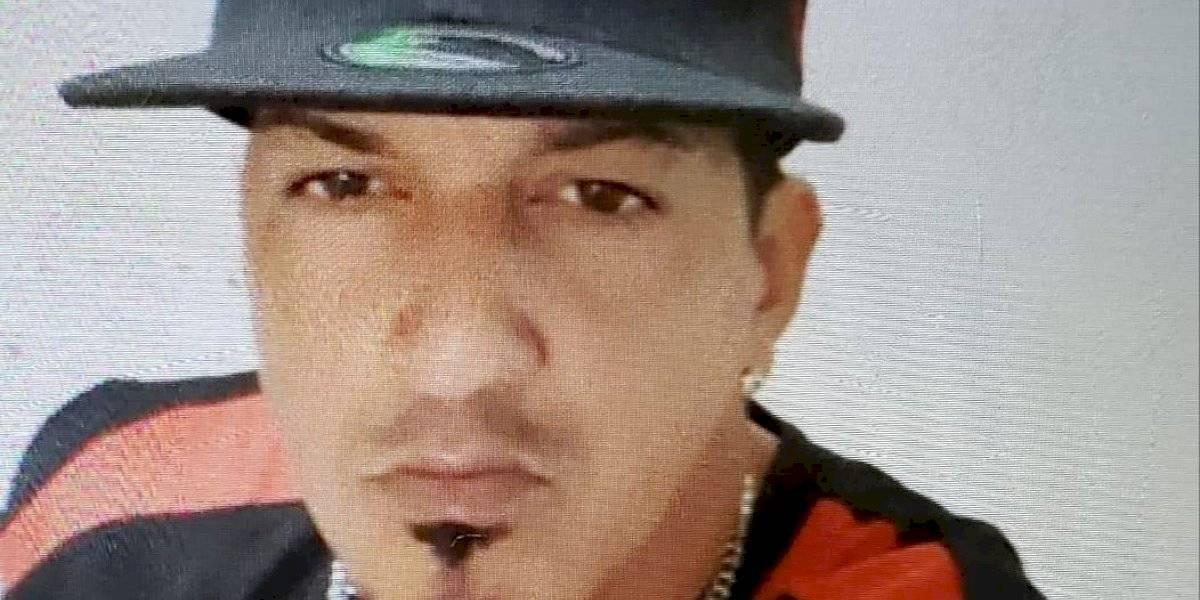 Buscan hombre por violar orden de protección en Carolina
