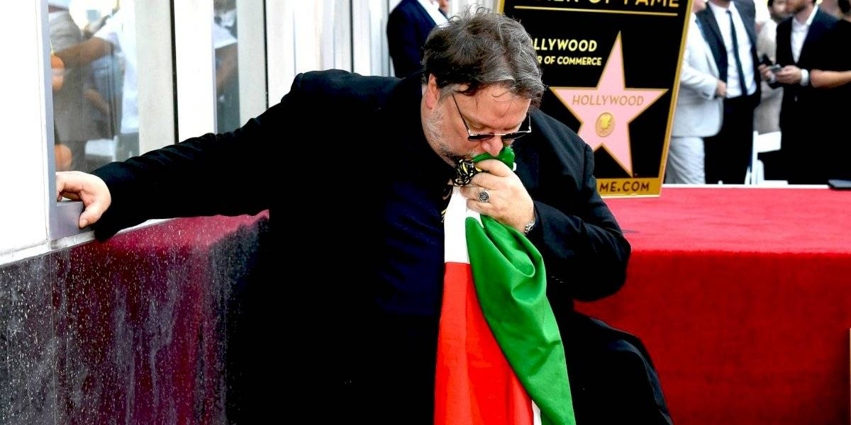 VIDEO. Guillermo del Toro devela su estrella en Hollywood y la dedica a los inmigrantes