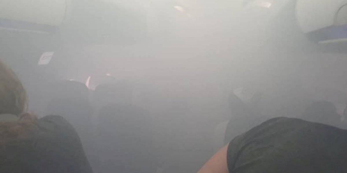 """""""Era como una película de terror"""": pánico vivieron 175 pasajeros de un vuelo British Airways luego de que se incendiaria un motor y la cabina se llenara de humo"""