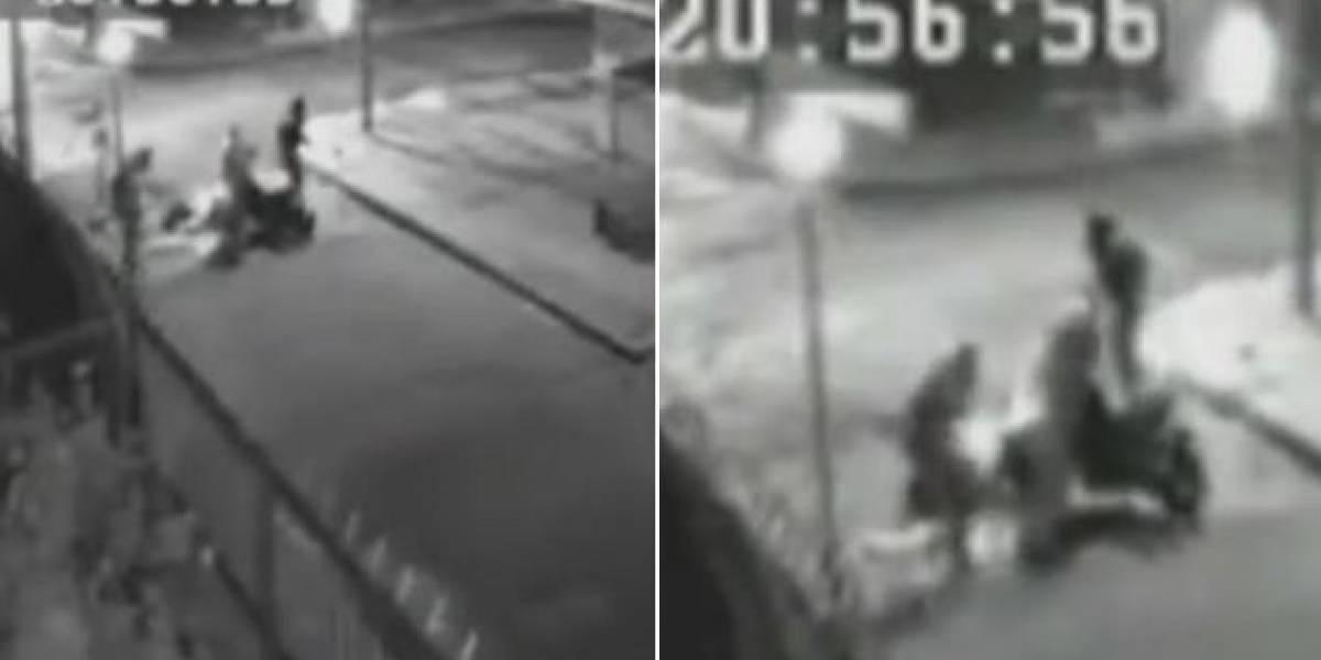 En video momento en que conductor arrolla a cuatro ladrones en Bogotá