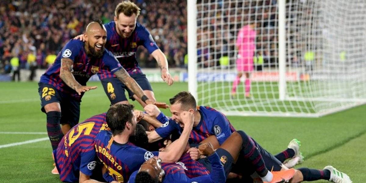 """¿Arturo Vidal es uno de ellos? """"¡Sobran tres jugadores en el centro del campo del Barça!"""""""