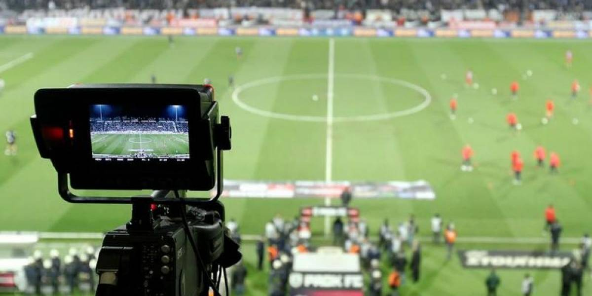 No más fútbol gratis: Detenidos los dueños de VeoPartidos.com y FutbolChile.net