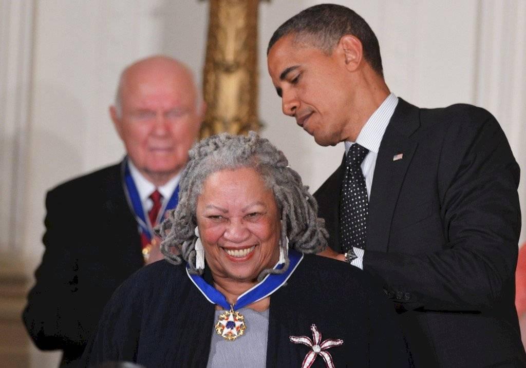 Toni Morrison recibe medalla