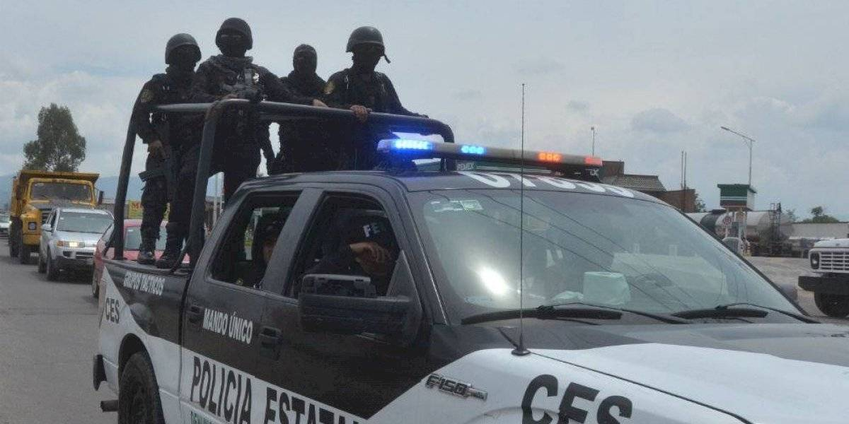 Rescatan de linchamiento a joven acusado de robar motocicleta en Toluca