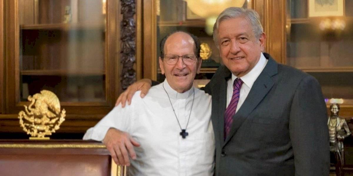 Padre Solalinde presenta a AMLO candidata para presidir la CNDH