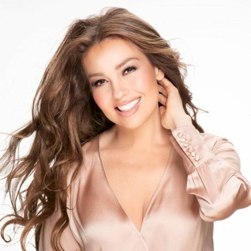 Thalía celebra la navidad en octubre