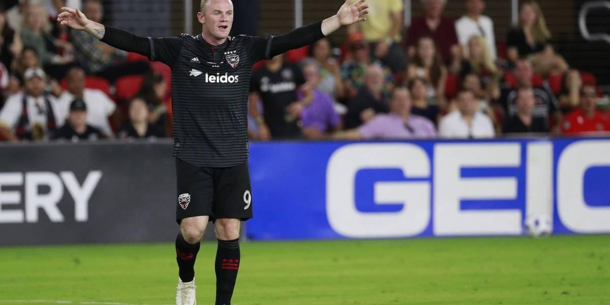Rooney vuelve a Inglaterra para jugar y dirigir en el Derby County