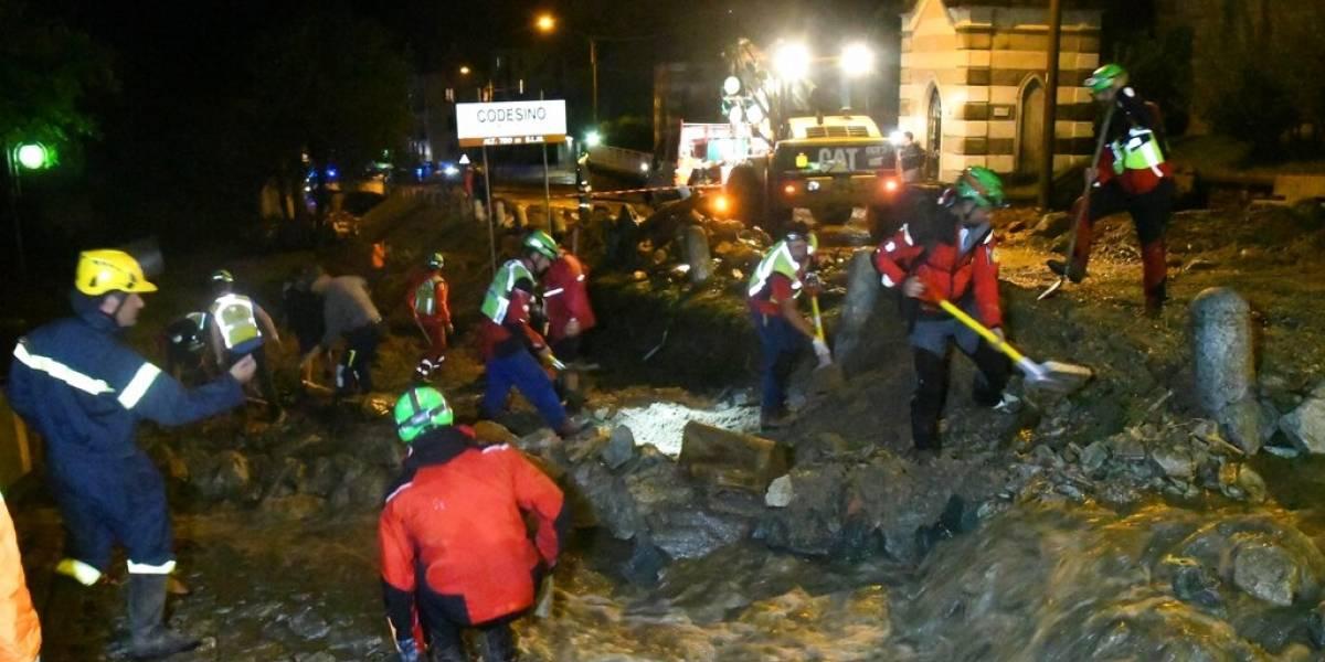 Más de 200 evacuados y varios autos arrastrados por el lodo: alud desata el caos en pueblo italiano