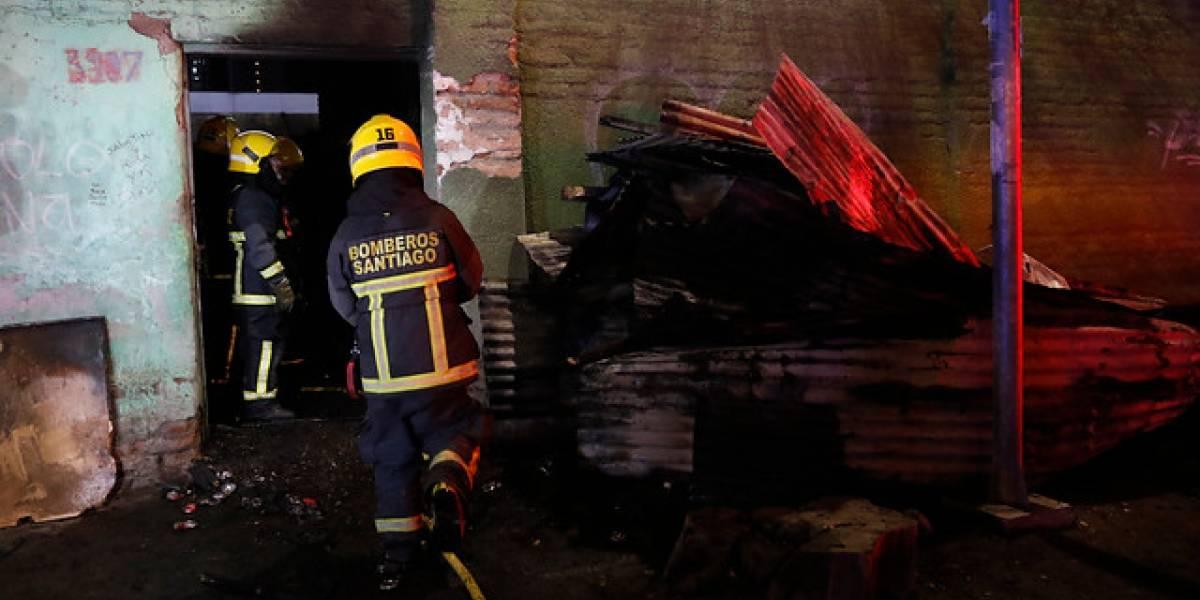 Niño de 8 años muere en incendio de sede social en El Bosque