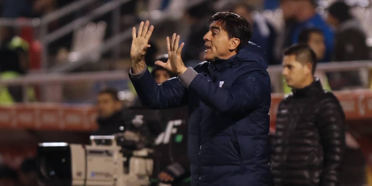 """Gustavo Quinteros sobre el debut del Gato Silva en la UC: """"Hoy puede jugar muy bien como zaguero central"""""""