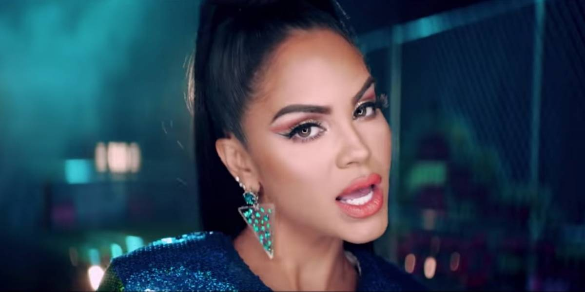 Natti Natasha se muestra cantando 'a capella' la exitosa canción 'Runaway'