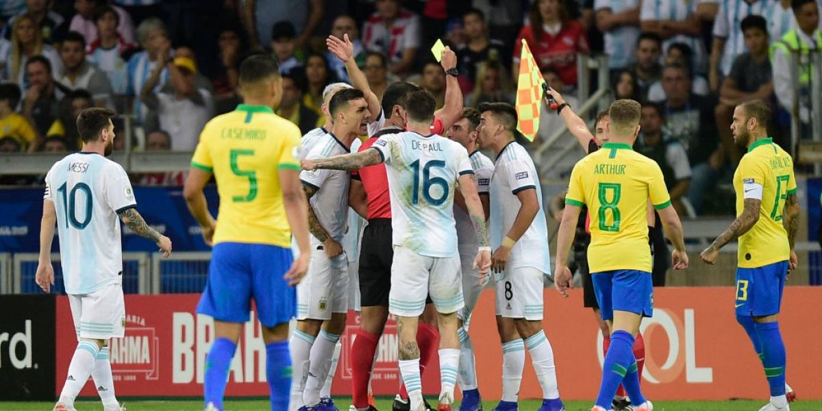 El papelón continúa: Conmebol admitió mal uso del VAR en el Brasil-Argentina de Copa América