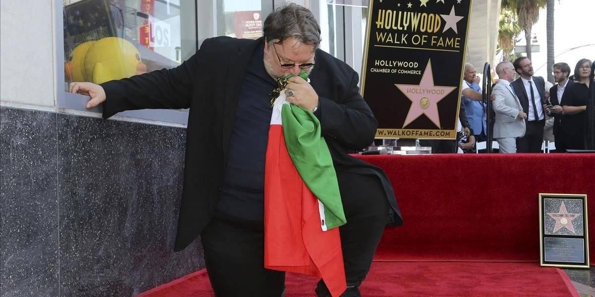 Video: Guillermo del Toro habla de fake news al develar su estrella en el paseo de la fama