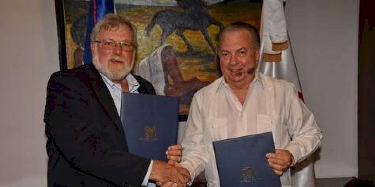 Ministerio de Cultura y Universidad de Indiana firman acuerdo para exploraciones arqueológicas y subacuáticas