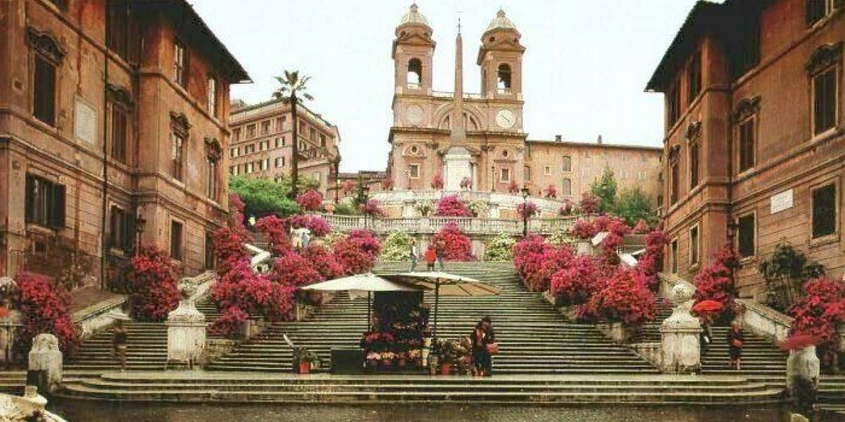 Itália vai multar turistas que sentarem em escadaria famosa