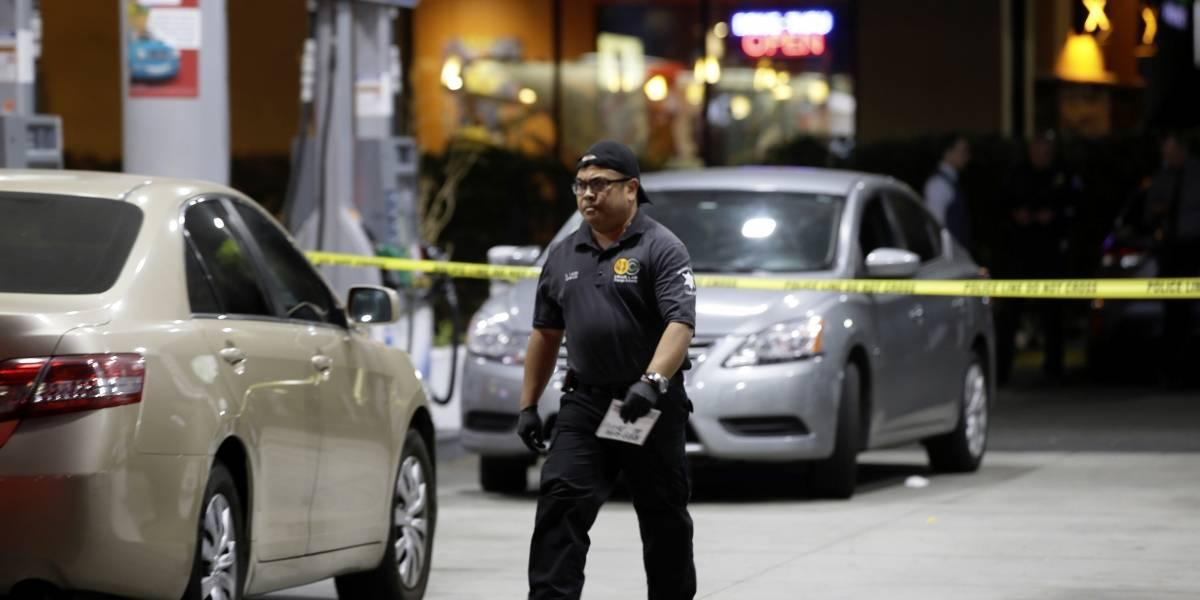 Mueren 4 hispanos durante apuñalamientos en California; investigan odio
