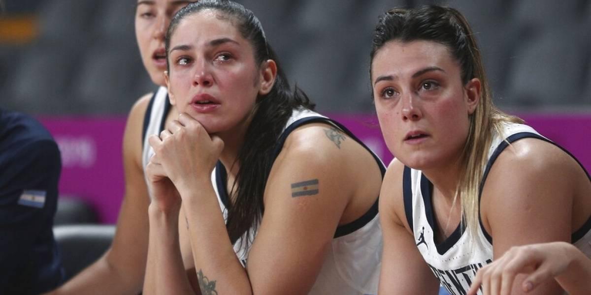 Argentina se queda sin medallas en baloncesto femenino tras descuido con uniformes
