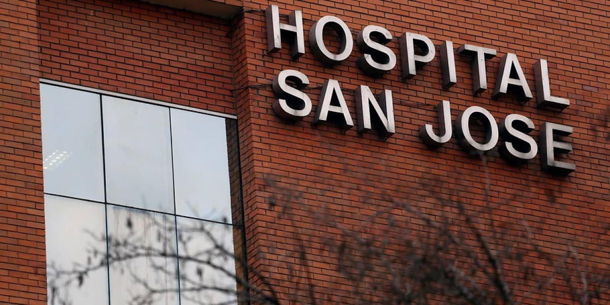 Director de Hospital San José descarta cadáveres en pasillo del recinto asistencial