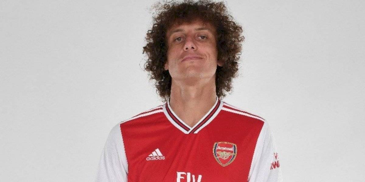 David Luiz deja al Chelsea y ficha con el Arsenal
