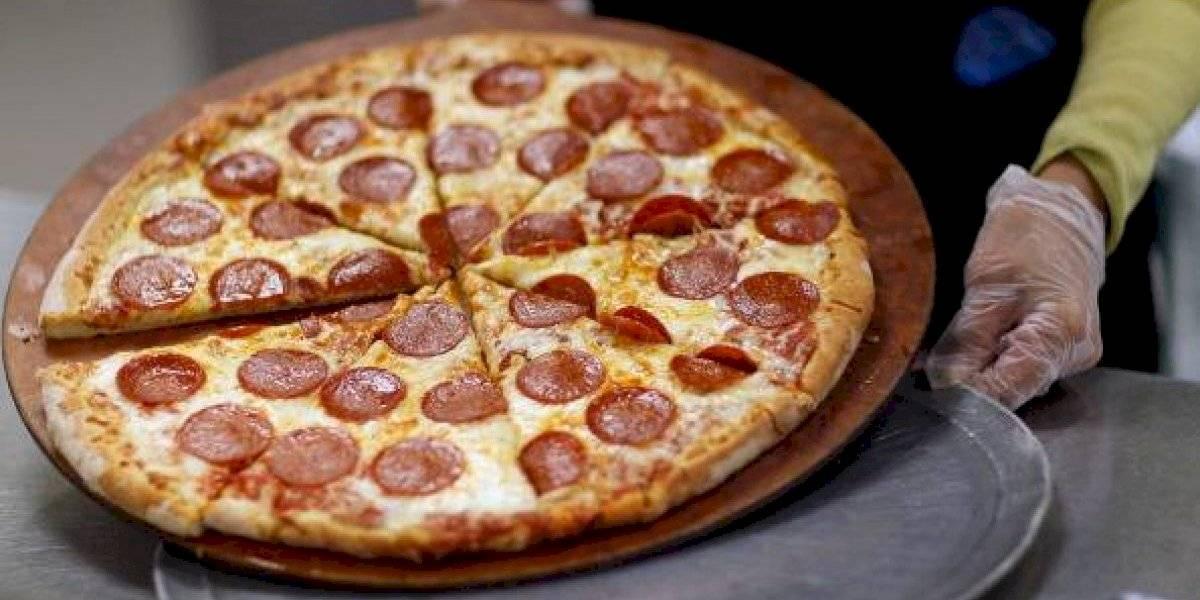 Padece una fobia contra las frutas y verduras: joven puede quedar ciega tras comer solamente pizza y papas fritas por 22 años