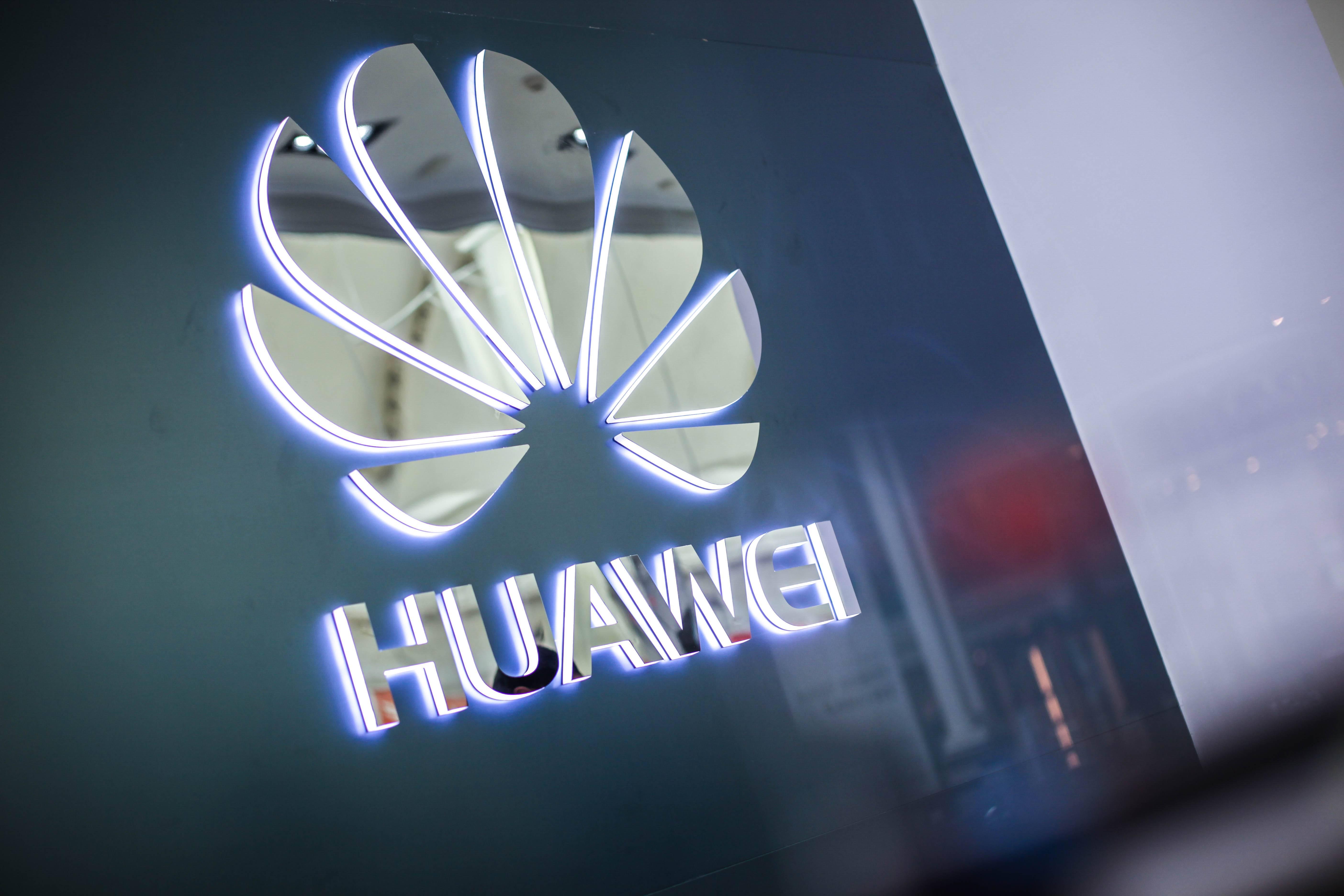 """Estados Unidos y China firman """"fase uno"""" de nuevo acuerdo comercial ¿Afecta esto a Huawei?"""