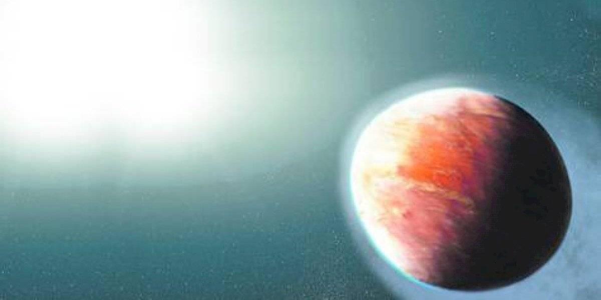 El curioso exoplaneta con forma de balón de rugby y una atmósfera de 2.537 ºC