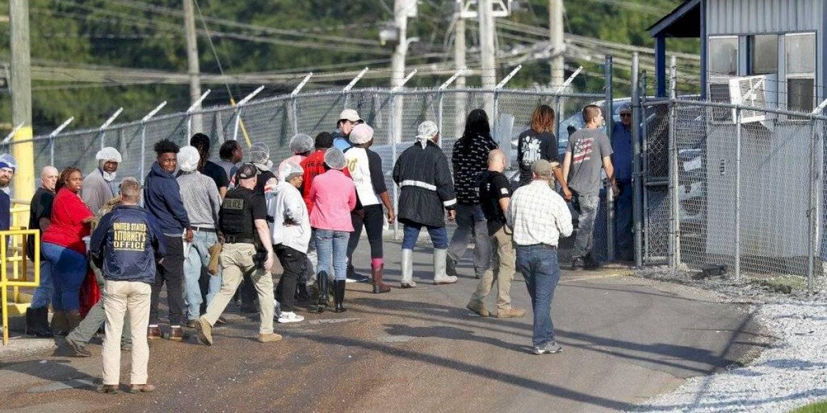 Liberan a 34 mexicanos detenidos en redada migratoria en Misisipi