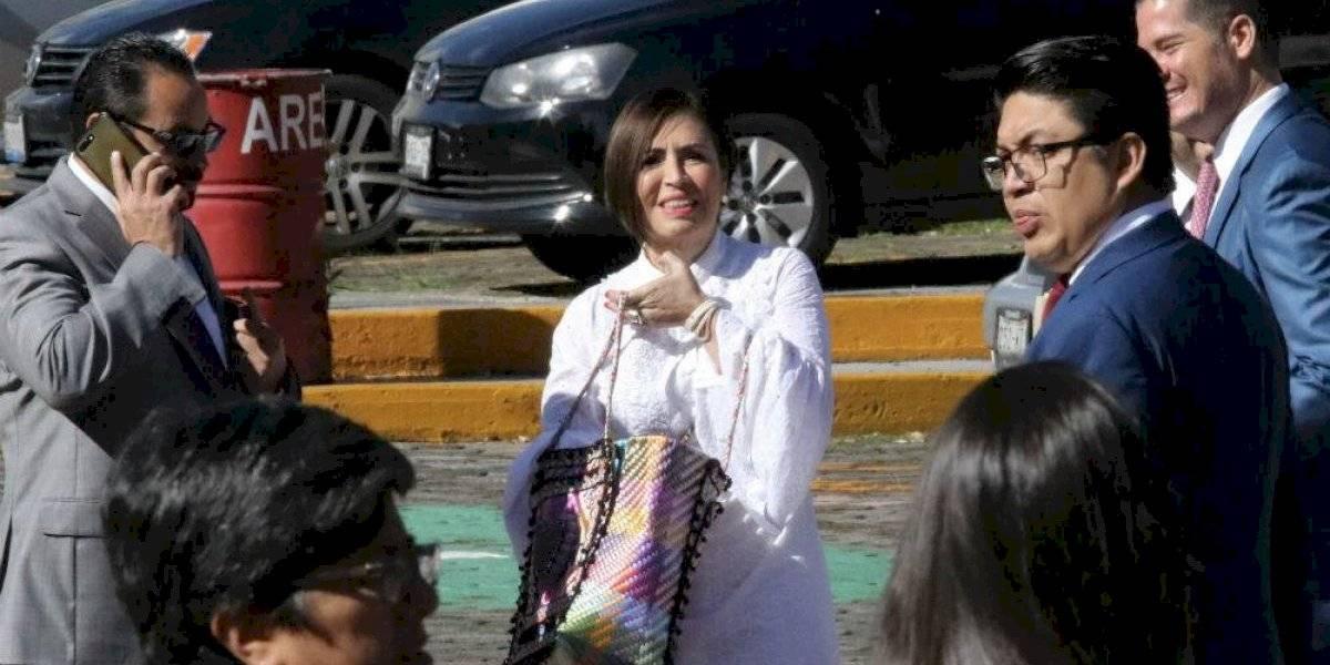 """""""Vengo a dar la cara"""", dice Rosario Robles al llegar a audiencia"""