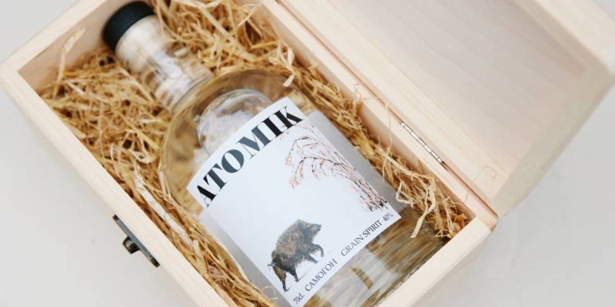 ¿Tomarías un Vodka hecho con productos de Chernobyl? Así es Atomik el primer artículo de consumo de la zona de exclusión ucraniana