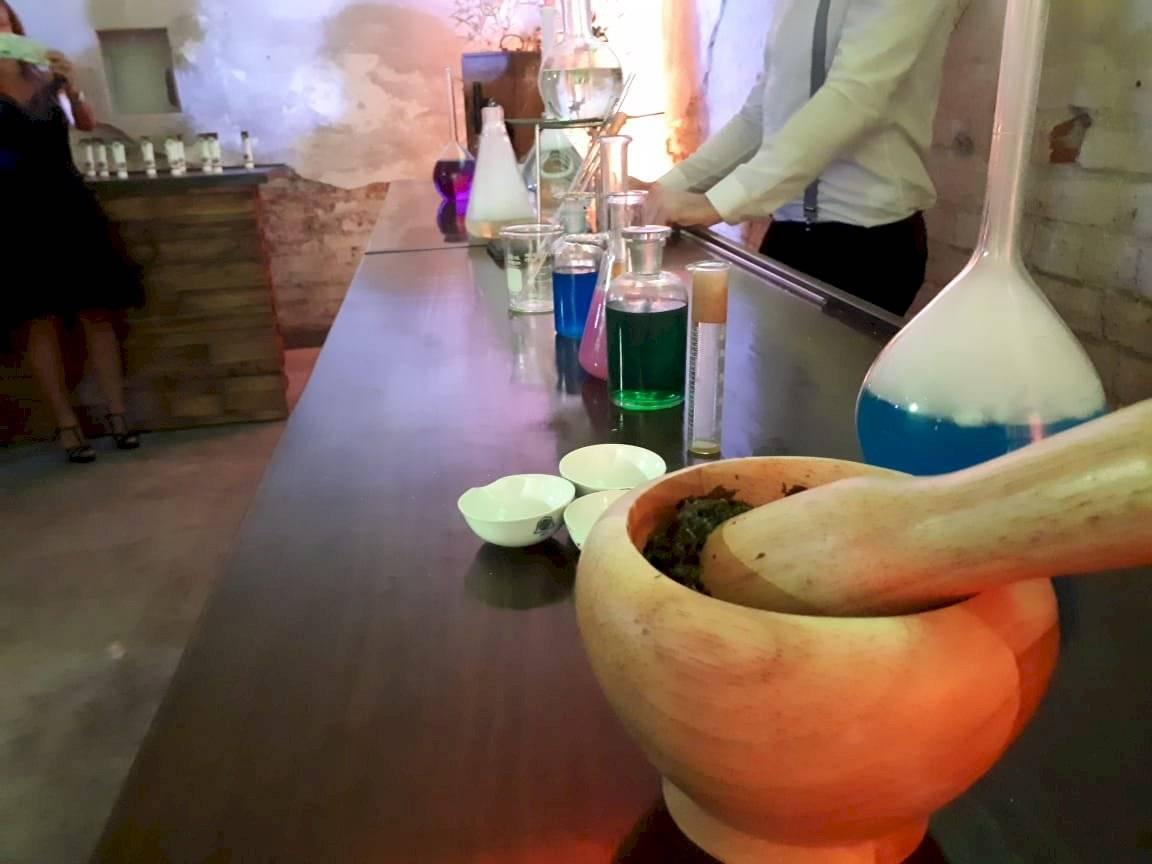 Proceso de destilación de marihuana | Aabye Vargas