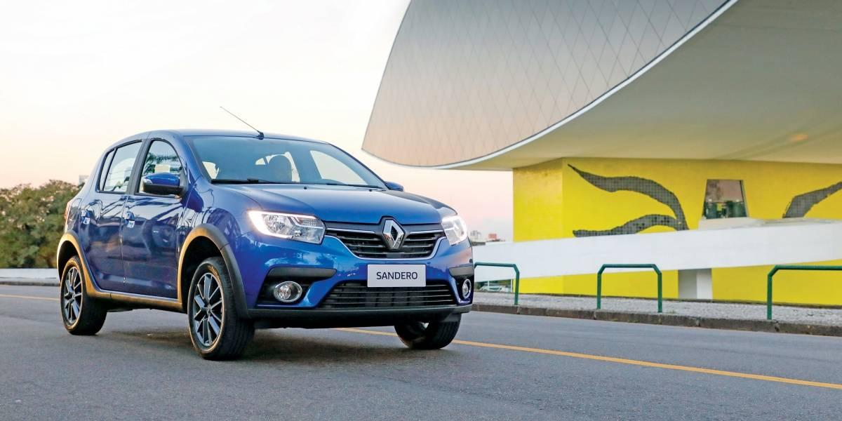 Novos Logan e Sandero, da Renault, trazem boas novidades e velhos vícios