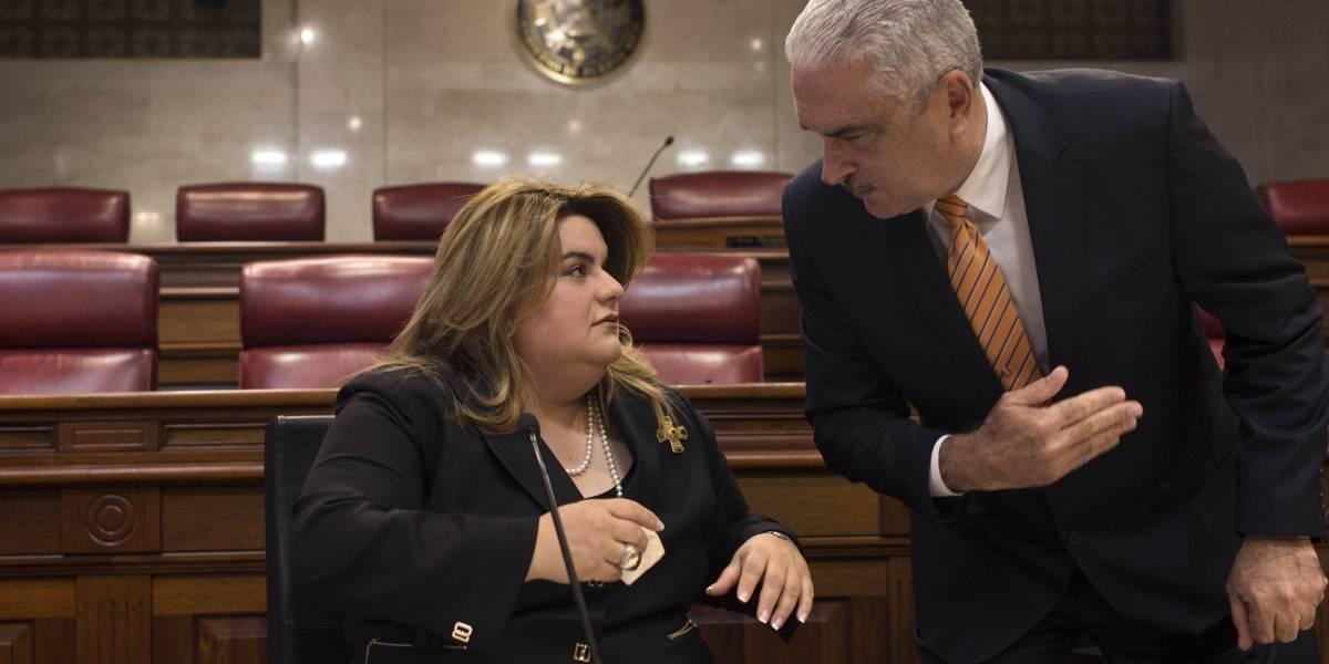 Guerra tuitera entre Jenniffer González y Aníbal Acevedo Vilá