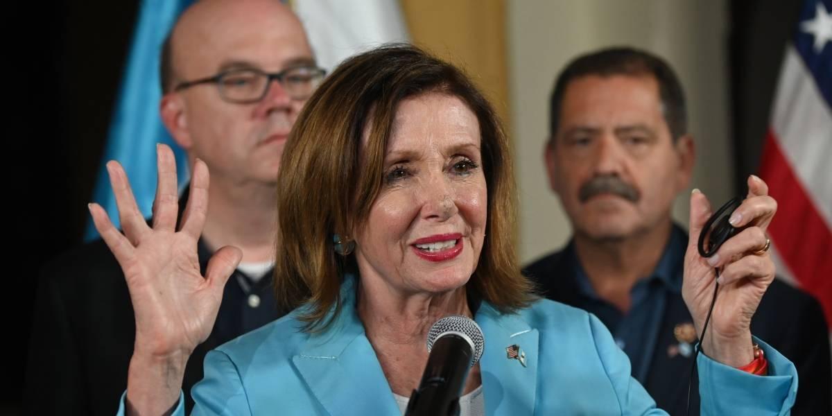 """Pelosi: """"Es muy vergonzoso lo que está pasando en la frontera"""""""