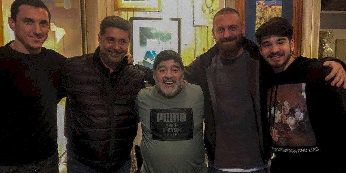¡Encuentro de dos leyendas! De Rossi visitó a Diego Armando Maradona