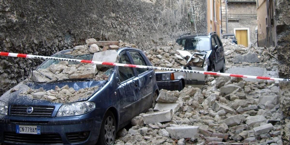 ¿Sismo, huracán o accidente? Mochila de emergencia y botiquín de primeros auxilios en el auto