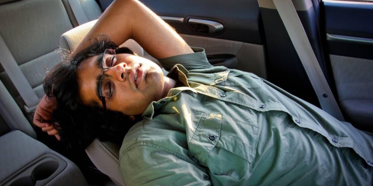 Descansar y dormir en el auto es un riesgo mortal