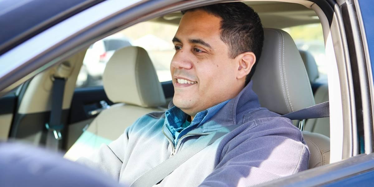 Conducir feliz es igual de riesgoso que manejar enojado